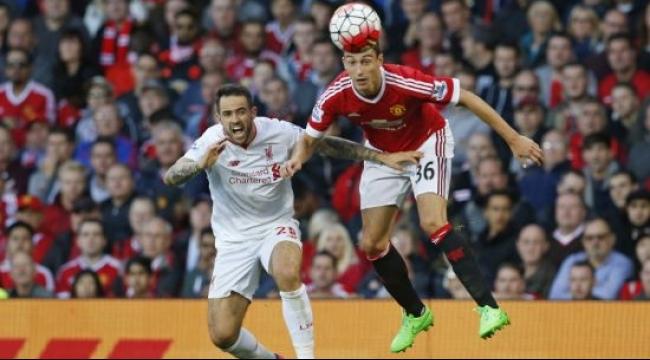 مانشستر يونايتد يسحق ليفربول بثلاثية ويقفز للمركز الثاني