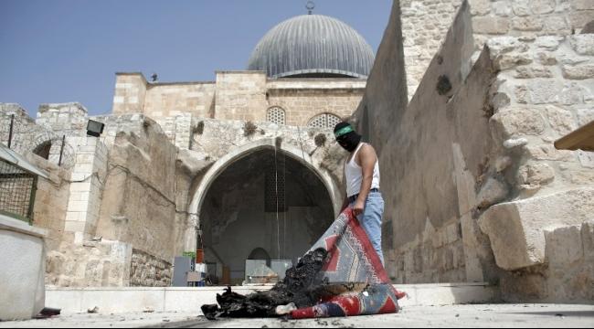 عباس يدين اقتحام قوات الاحتلال للمسجد الأقصى