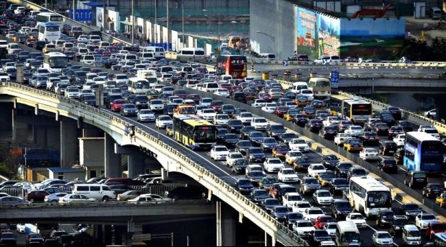 """""""في دي إيه"""" لا تستبعد ركود مبيعات سيارات الركاب بالصين هذا العام"""