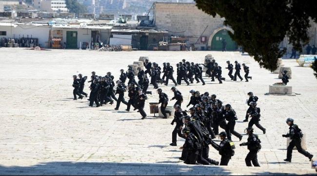 """حماس: التصعيد الإسرائيلي بالأقصى هو """"إعلان حرب"""""""