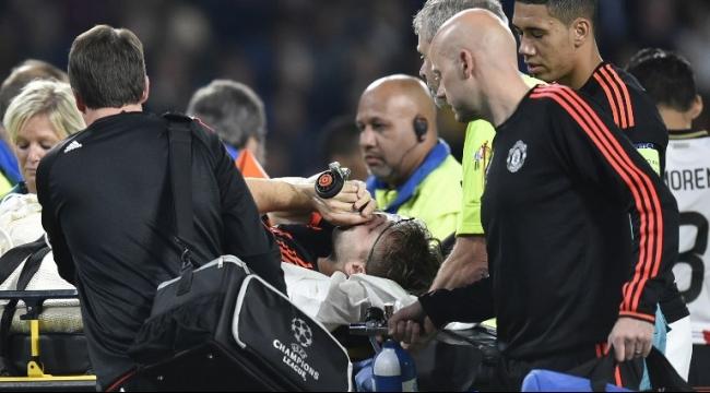 إصابة خطيرة لمدافع مانشستر يونايتد لوك شو