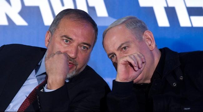 """ليبرمان يطالب نتنياهو بالاستقالة: """"أين الأمن والمال؟"""""""
