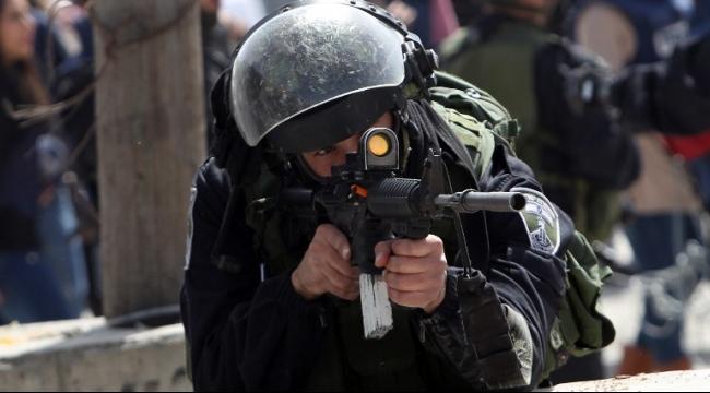 القدس المحتلة: أجواء متوترة ومواجهات وقيود على المصلين