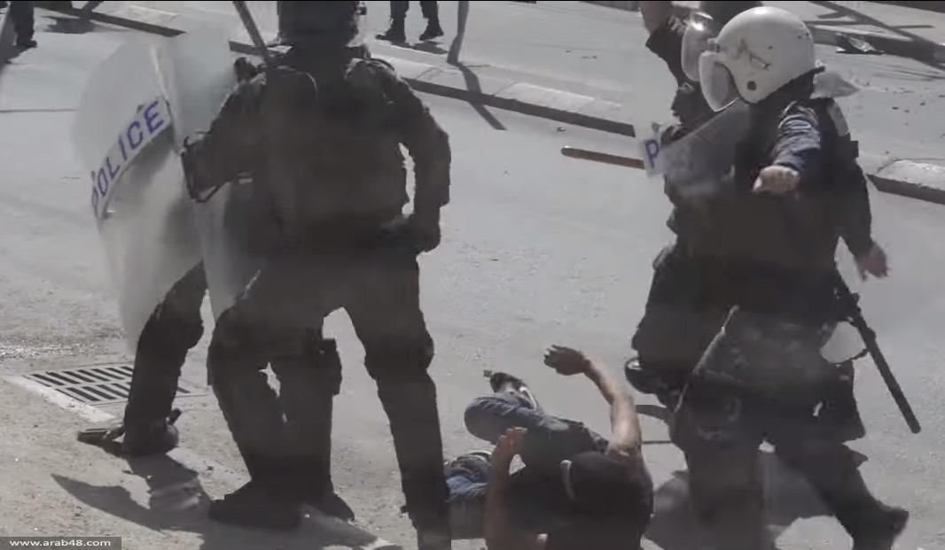 فيديو: أمن السلطة يعتدي على متظاهرين من أجل الأقصى
