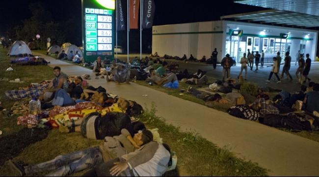 كرواتيا تغلق 7 معابر حدودية مع صربيا