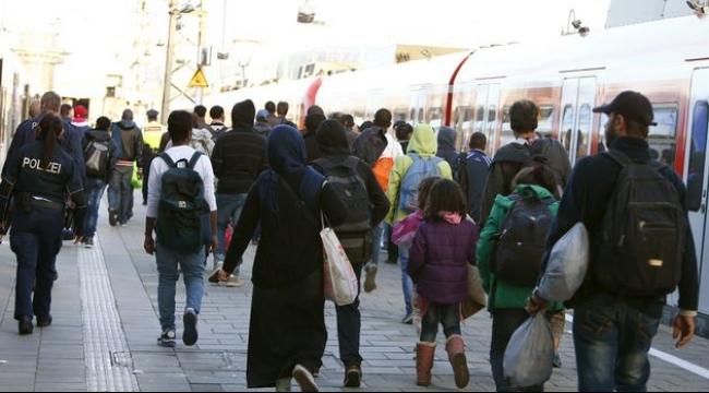 ألمانيا: بعد رحلة لجوء مضنية.. أسرة سورية تلقى استقبالا فظا