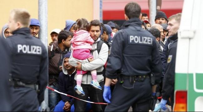 استطلاع: غالبيّة المواطنين الألمان يؤيدون فرض رقابة على الحدود
