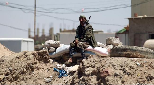 الإفراج عن أميركيين اثنين في اليمن ونقلهما إلى عمان