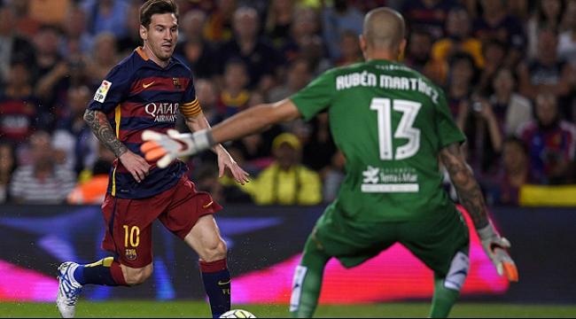 برشلونة يحتفظ بالصدارة بفوزه على ليفانتي برباعية لهدف