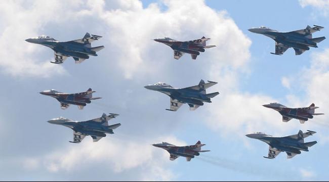 كيري: الطائرات الروسية في سورية تناسب حماية قواتها
