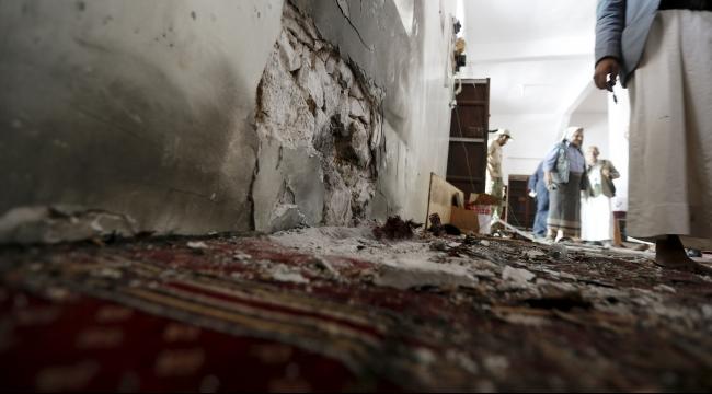 """25 قتيلا في تفجير استهدف مسجدا في صنعاء وتبناه """"داعش"""""""