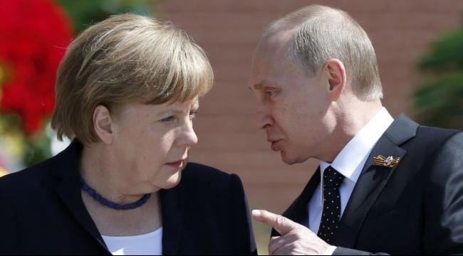روسيا ترحًب باقتراح ميركل إشراك دول أكثر بمحادثات سورية