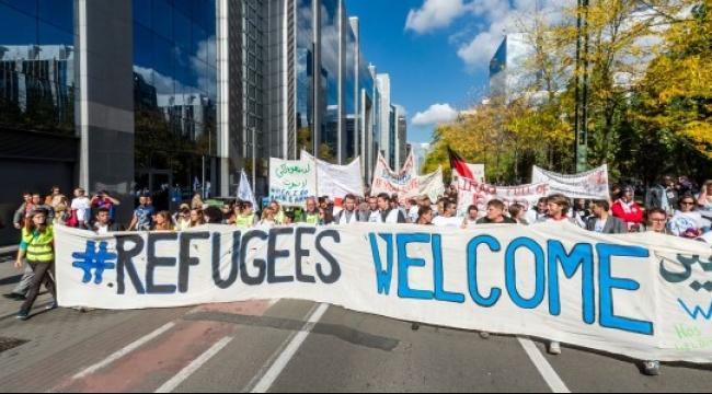 أوروبا: مواقع الكترونية توفر إقامة مجانية للاجئين