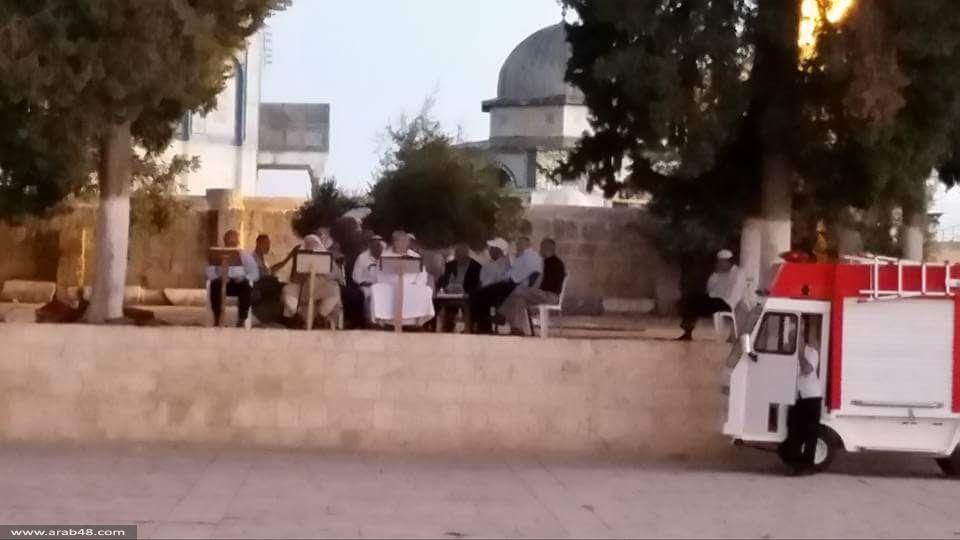 قوات الاحتلال تقتحم المسجد الأقصى وتمنع المصلين من دخوله