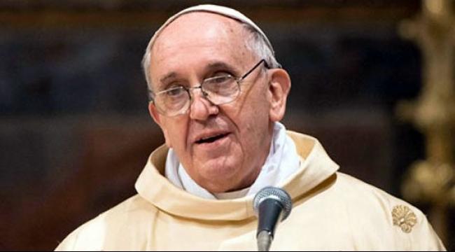 """بابا الفاتيكان يشعر """"بالخزي العميق"""" إزاء تحرش قساوسة بأطفال"""