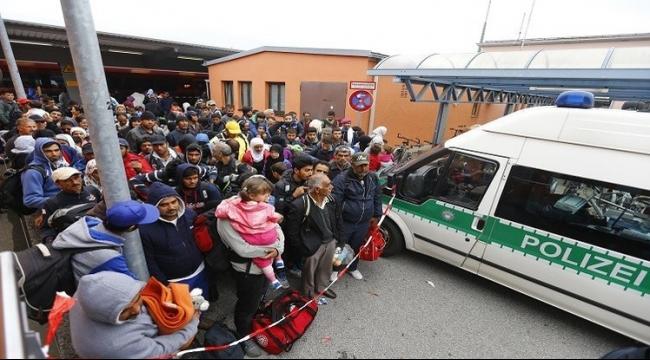 10 آلاف لاجئ يصلون ألمانيا يوميا عقب الرقابة على الحدود