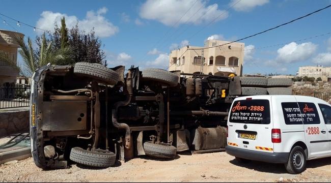 دير الأسد: إصابة خطيرة جراء انقلاب شاحنة