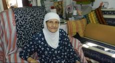 والدة الشهيد عمر عكاوي تسترجع لحظات استشهاد ابنها بحسرة وألم