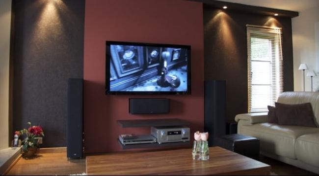 باحثون يحذرون: الشاشات التلفزيونية المسطحة خطر على الأطفال