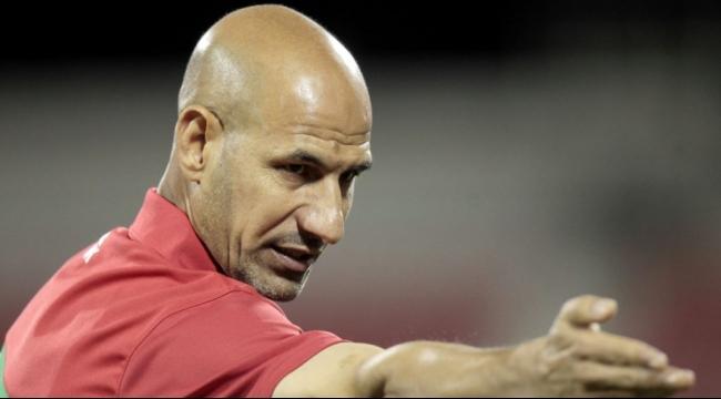نادي قطر يجدد ثقته بالمدرب راضي شينشيل