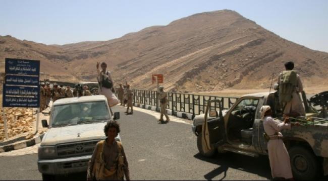 اليمن: 37 قتيلا وقوات هادي تسيطر على منطقتين إستراتيجيتين