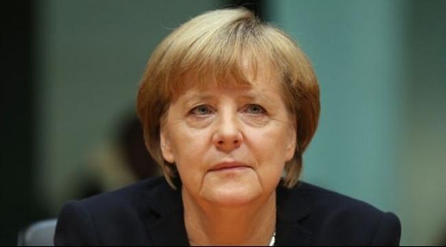 ميركل تحث أوروبا على حماية حدودها وكرواتيا تستقبل 100 ألف لاجئ