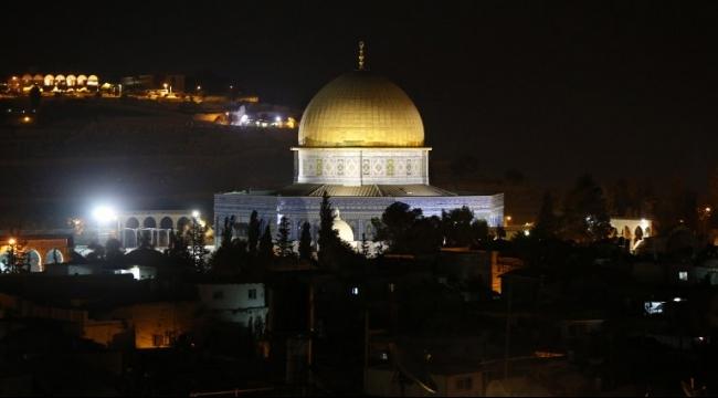 قوات الاحتلال تخرج المعتكفين من المسجد الأقصى