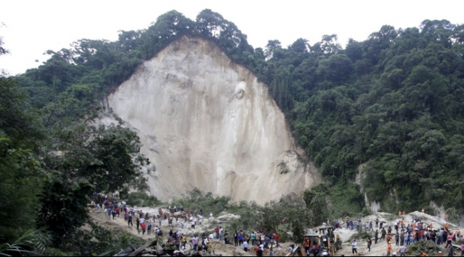 غواتيمالا: مصرع 25 وفقدان مئات في انهيار أرضي