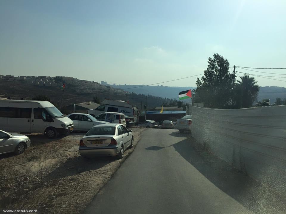 القدس: عائلة الشهيد علون تنتظر قرار الاحتلال بتسليمها جثمانه