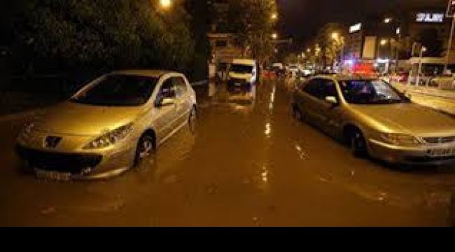 فرنسا: 12 قتيلا بسبب فيضانات على الساحل اللازوردي