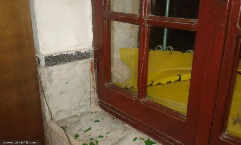 يافا: متطرفون يهود يعتدون على مسجد حسن بيك ويحاولون إحراقه