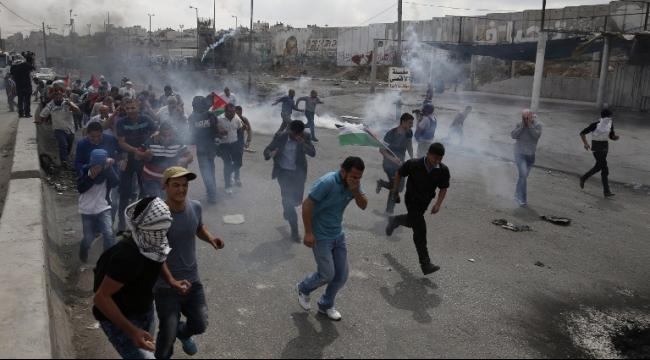 صباح اليوم: مواجهات وإصابات بالرصاص الحي و40 معتقلا بالضفة