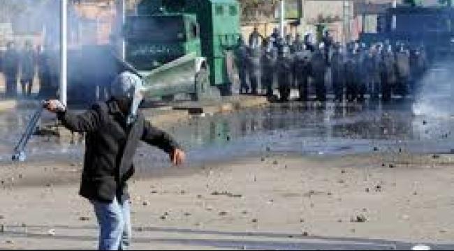 مواجهات في أريحا: إصابة فلسطينيين بالرصاص المطاطي والعشرات بالاختناق