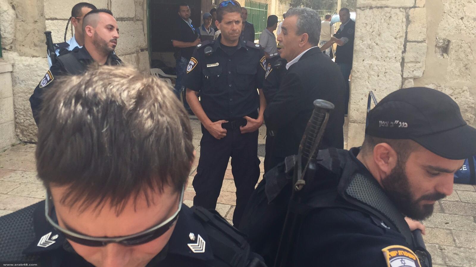 شرطة الاحتلال تمنع النائب زحالقة من دخول المسجد الأقصى