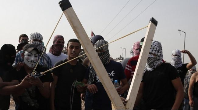 إصابة عشرات الفلسطينيين في مواجهات بأنحاء الضفة