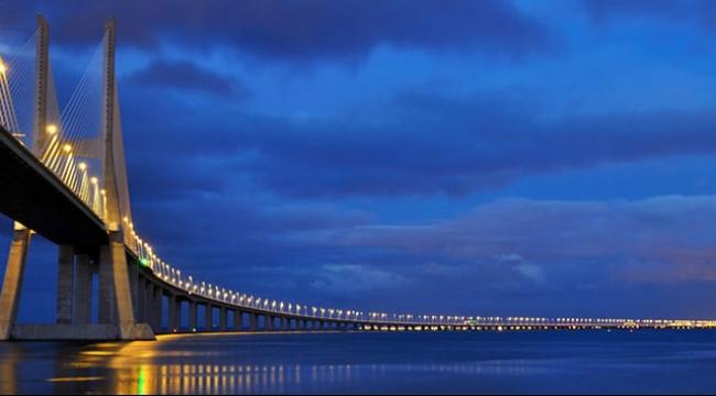 جسر يربط جزيرة القرم بروسيا