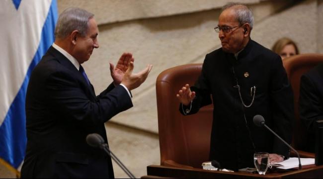 نتنياهو يدعي أمام الرئيس الهندي: معني بالسلام وتجديد المفاوضات