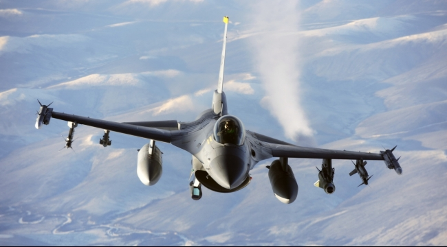 سورية: طائرة روسية تهمّ بالهجوم على طائرة أميركية