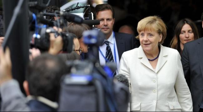 ميركل تؤكد على دور تركيا للحد من تدفق اللاجئين