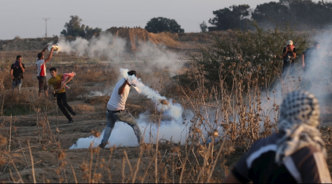 قطاع غزة: إصابة 10 فلسطينيين بمواجهات مع الاحتلال عند الحدود