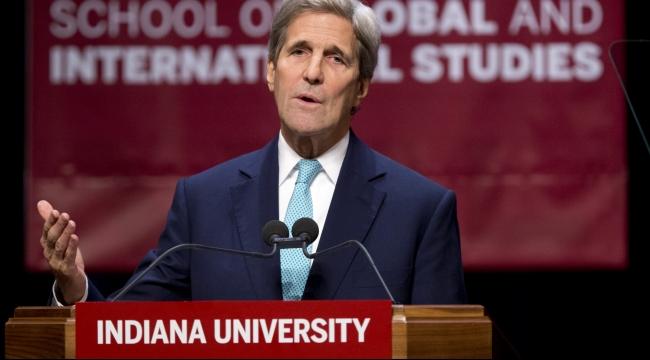 """كيري يدعم """"حق إسرائيل في الدفاع عن وجودها"""""""