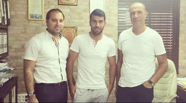 اللاعب هلال موسى يوّقع مع أبناء سخنين