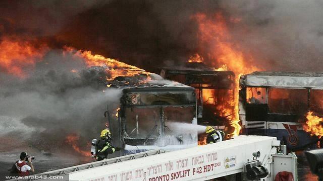 حريق وخسائر كبيرة في موقف حافلات في مركز البلاد