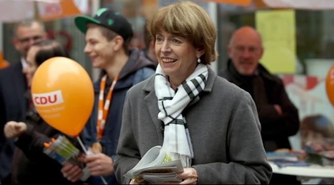 ألمانيا: طعن مرشحة رئاسة بسبب تقبلها للاجئين