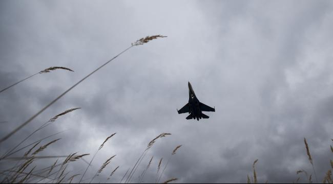 370 قتيلا بالغارات الروسية: 127 مدنيا و52 داعشيا