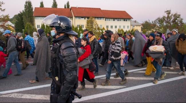 سلوفينيا تطلب وحدات شرطة من الاتحاد الأوروبي لتنظيم تدفق اللاجئين
