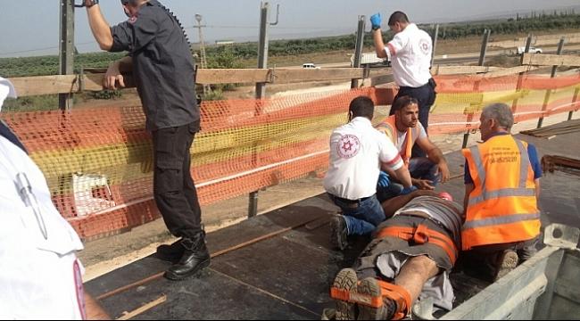 إنقاذ عامل سقط بحفرة عميقة قرب مفرق المكر