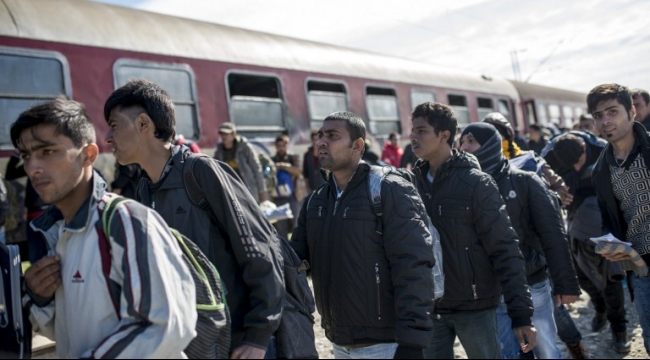 ثلاثة من قادة البلقان يهددون بإغلاق الحدود أمام المهجّرين