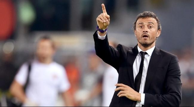 مدرب برشلونة يطالب بالتحقيق بادعاءات الحكم المساعد