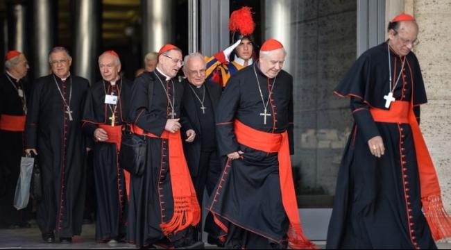 قمة الفاتيكان تؤيد التعامل مع قضايا المطلقين وفق كل حالة على حدة